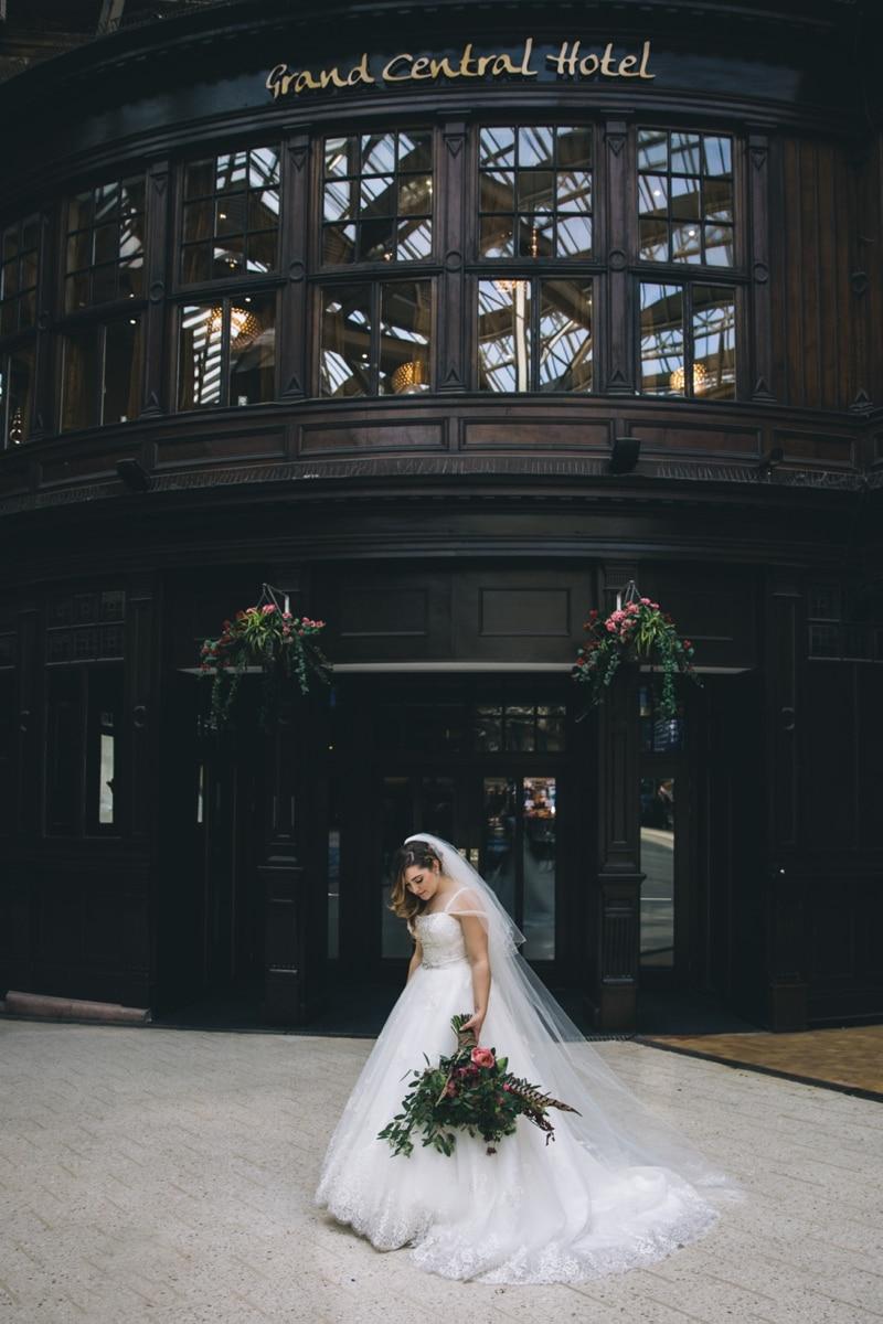 Glasgow Central Hotel Rocking Art Deco Floral Wedding Photographs of Emma_Michael-2661.jpg
