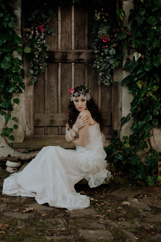 vogue style wedding posing