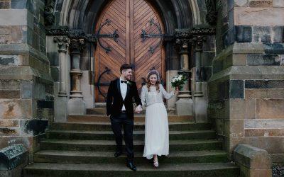 Winter Cottiers Theatre Wedding in Scotland | Laura & Steve