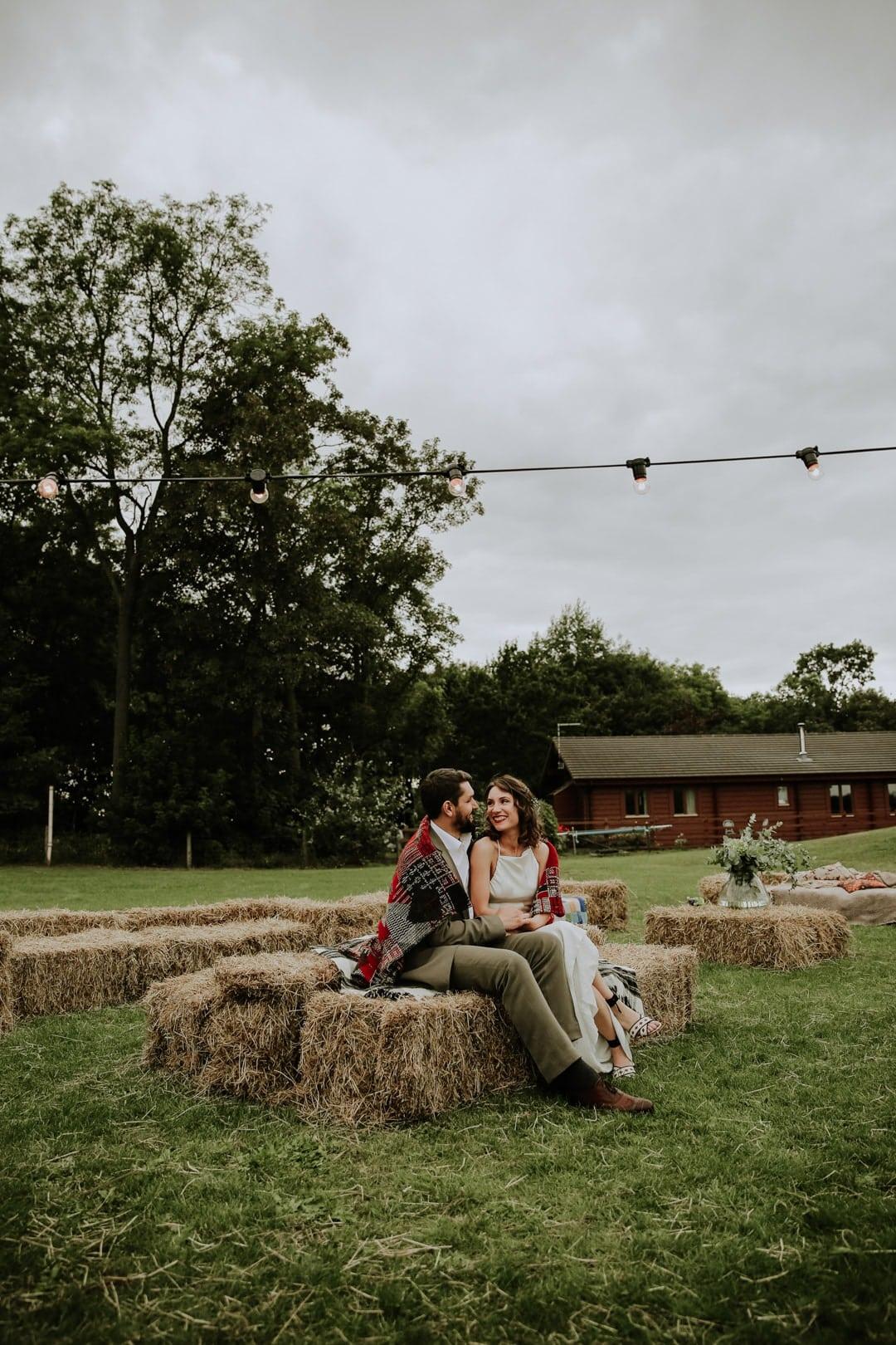 cool-bride-groom-snuggle-blanket-diy-leicestershire-wedding-festoon-lights