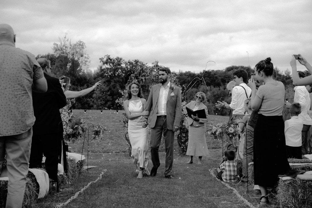 diy-outdoors-wedding-artistic-wedding-photography